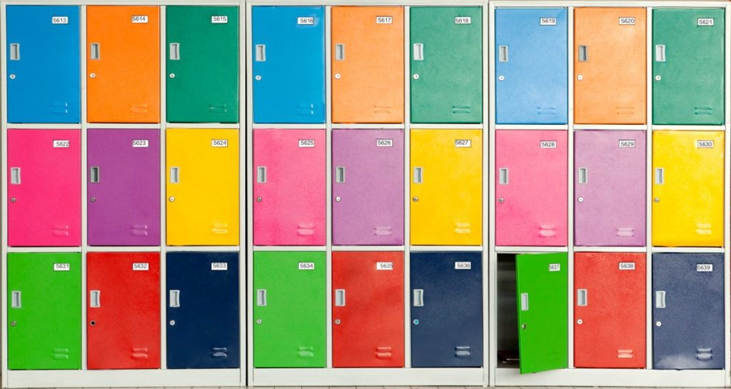 colorful-lockers-bf1801a80c462bb0317206aae5d82f26